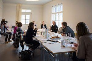 """Digital Detox Seminar im """"quartier – lodges tagesbar forum"""" in Garmisch-Partenkirchen   Foto: Bert Heinzlmeier"""